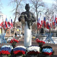 Мнение: Украина рано или поздно вернется в лоно России как главного хранителя Русского мира