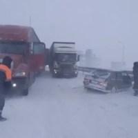 На трассе «Таврида» - и снежный затор, и массовое ДТП