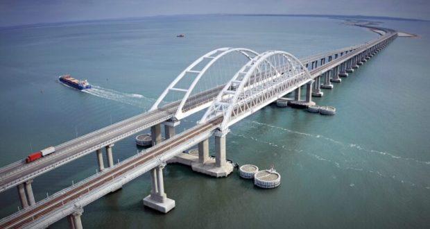 «Праздничный» трафик по Крымскому мосту – свыше 100 тысяч автомобилей