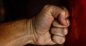 В Крыму мужики поспорили «по пьяной лавочке» - один скончался, второго будут судить