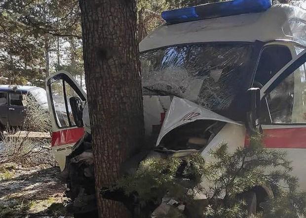 ДТП с участием «Скорой помощи» на трассе «Ялта – Севастополь»: трое пострадавших