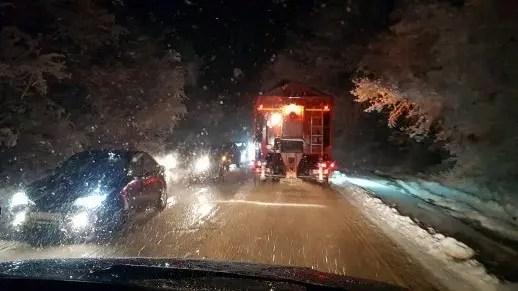 МЧС рекомендует водителям сидеть дома. В Крыму бушует непогода