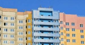 Застройщик (правообладатель соответствующего земельного участка) вправе самостоятельно выбирать, в каком порядке оформлять жилой или садовый дом