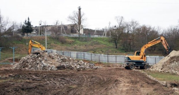 Под Севастополем - в с. Дальнее - строят канализационные сооружения