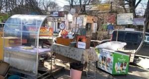 В Симферополе продолжается снос незаконных нестационарных торговых объектов