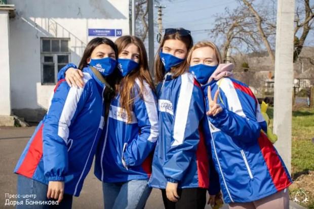 Активисты студотрядов Севастополя выехали на акцию Молодежный Десант