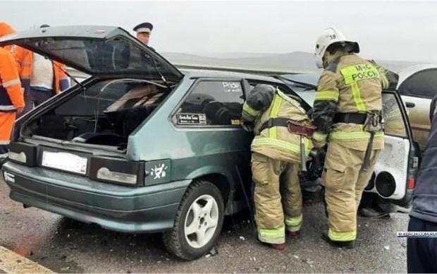ДТП на трассе «Таврида»: «восьмерка» врезалась в трактор
