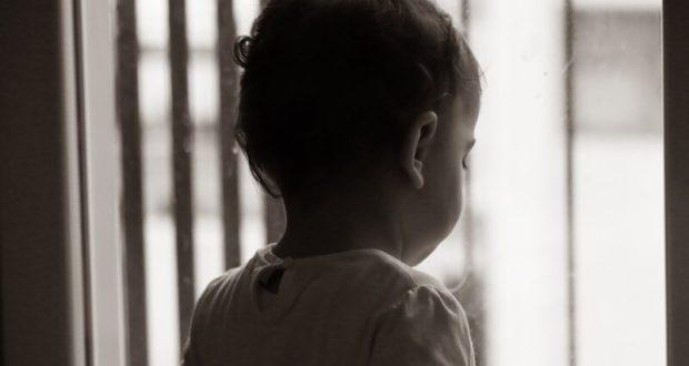 В Джанкое горе-мамаша оставила на двое суток малыша. На помощь пришли соседи и полиция