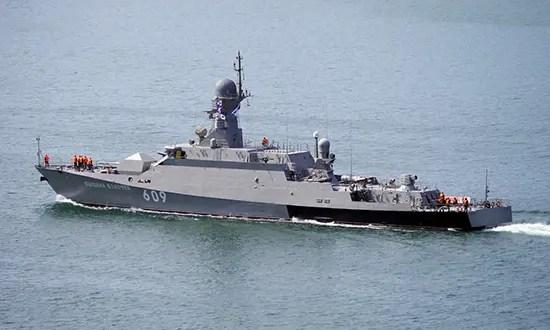 Гостям навстречу… Российские военные корабли повели стрельбы в Черном море