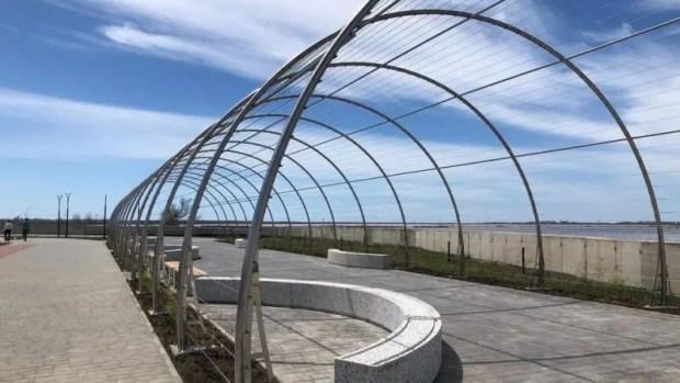 Завершено строительство набережной вдоль берега Сакского лечебного озера