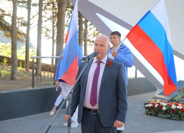 В День Победы в «Артеке» открыли новые бюсты героев-артековцев