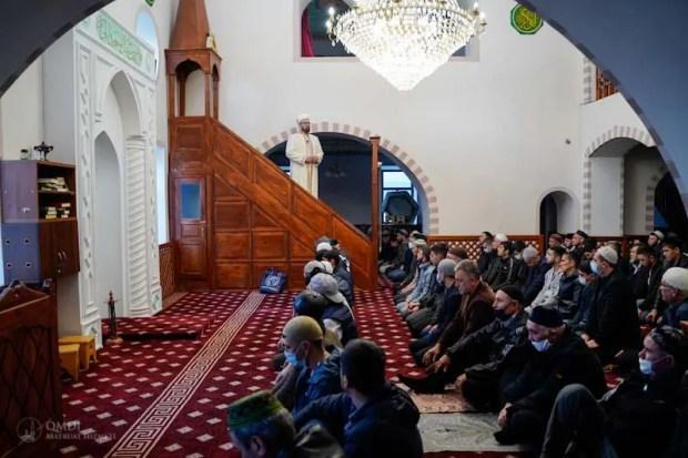 Мусульмане Крыма совершили праздничный намаз в Симферополе