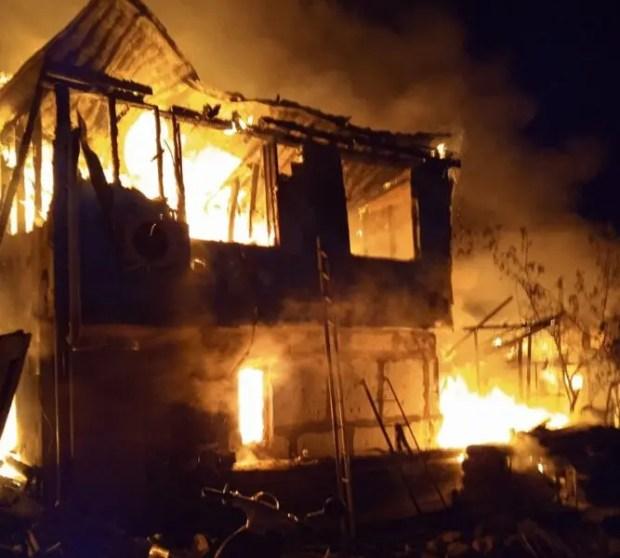 Вечерний пожар в Севастополе: погиб ребенок. В обстоятельствах ЧП разбираются прокуратура и Следком