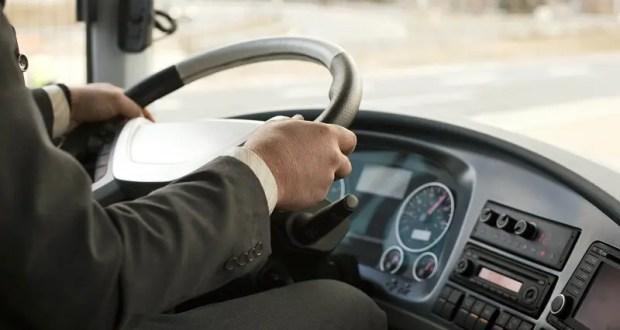 В Ялте водителей школьных автобусов пригласили поработать летом на городских маршрутах