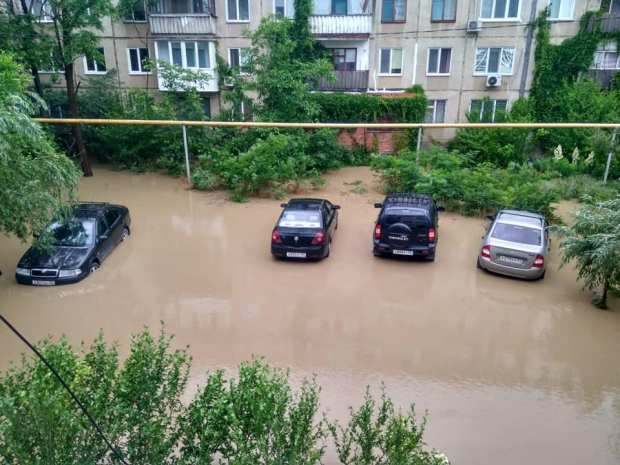 В Крыму подсчитывают ущерб от непогоды и готовятся к новым ливням