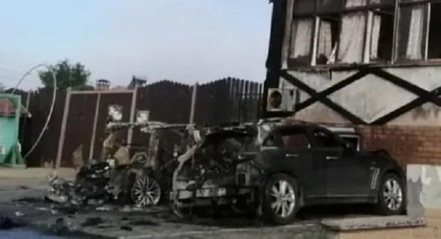 В Керчи сгорели две дорогие иномарки
