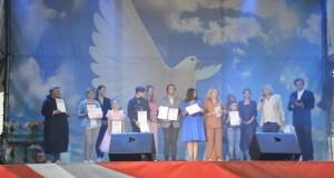 В Ялте наградили победителей фотоконкурса «Дни любования глицинией»