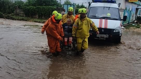 МЧС Крыма: спасатели работают в усиленном режиме