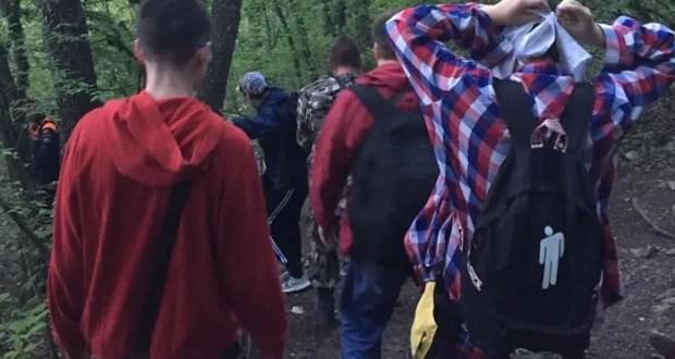 Крымские спасатели оказали помощь группе туристов в районе пещерного города Тепе-Кермен