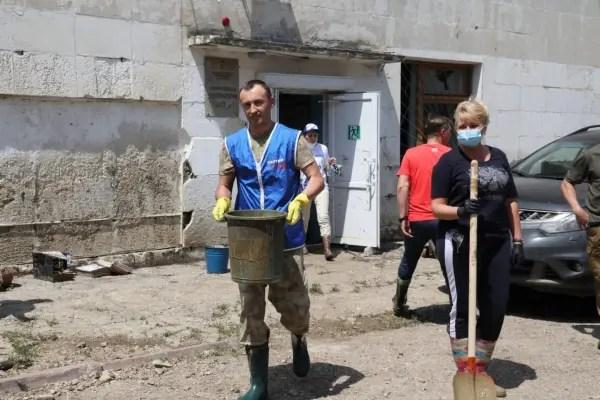Владимир Константинов осмотрел места подтопления в Керчи и Ленинском районе
