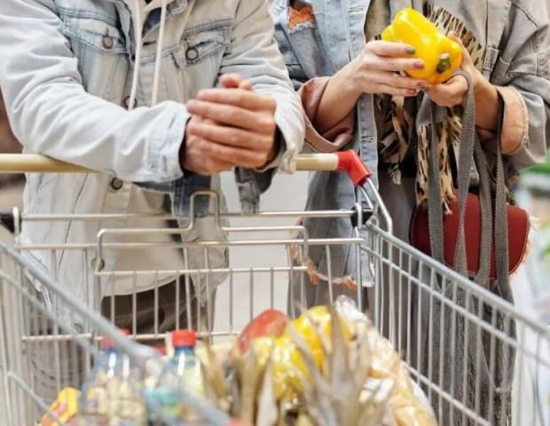 5105 рублей — в Минпроме Крыма озвучили стоимость набора продуктов питания на человека в месяц