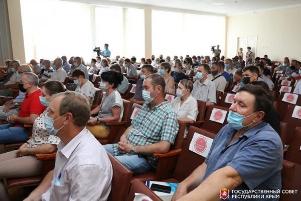 Спикер Госсовета Крыма Владимир Константинов встретился с трудовым коллективом завода «Фиолент»