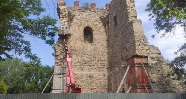 В Феодосии отремонтируют Башню Константина