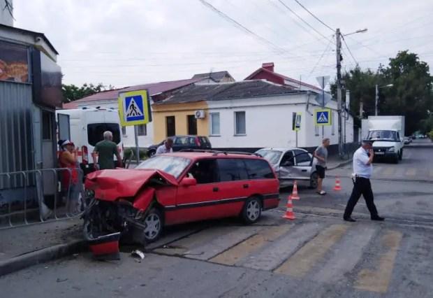 ДТП в Симферополе. Пострадали два человека