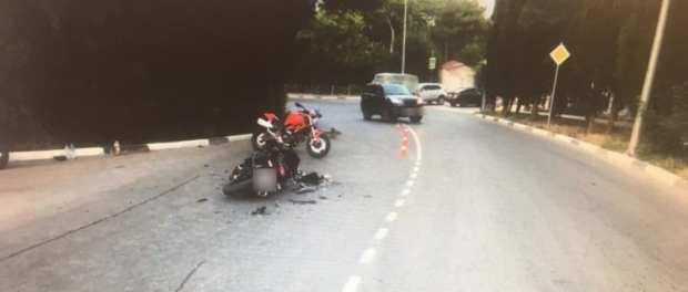 ДТП в Ялте: пострадали водитель и пассажир мотоцикла