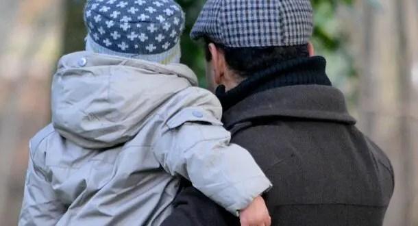 Для выезда из России несовершеннолетнего гражданина РФ не требуется письменного согласия обоих родителей