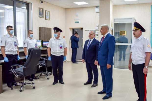 В Севастополе побывал глава МВД России. Министр презентовал книгу о милиционерах-защитниках города