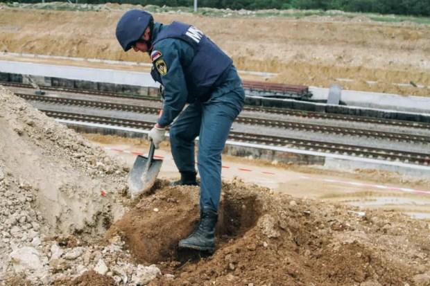 В Севастополе пиротехники МЧС ликвидировали бомбу времён Великой Отечественной войны весом 250 кг