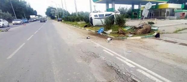 ДТП в Феодосии: авто едва не протаранило заправку, пострадал 15-летний велосипедист