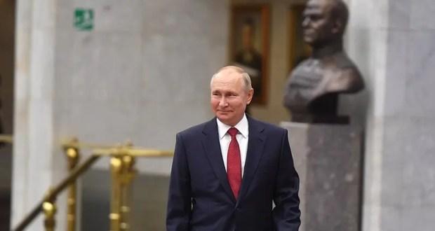 Владимир Путин подписал указ о единовременной выплате пенсионерам в размере 10 тысяч рублей