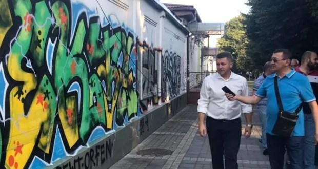 Улицы Симферополя очищают от граффити