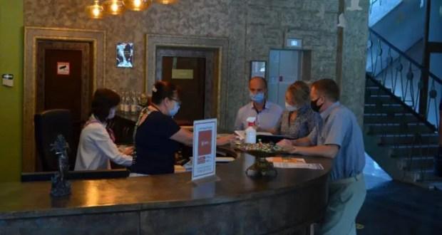 В севастопольских отелях и гостевых домах проверяют соблюдение мер профилактики COVID-19