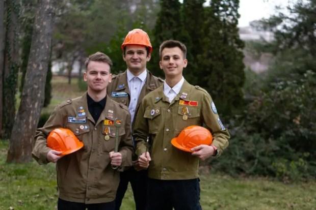 Студенческие отряды Крыма приняли участие в Дне ударного труда