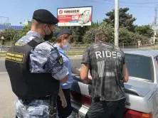"""В Севастополе """"Дорожный пристав"""" искал автомобилистов-должников"""