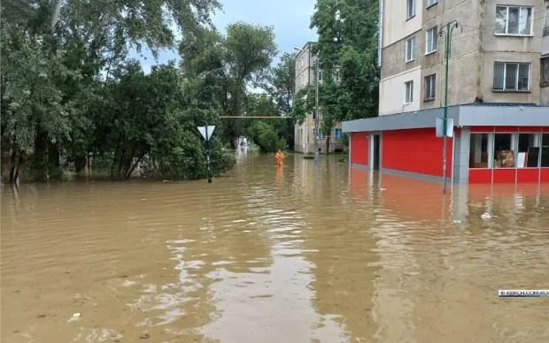 Из подтопленных районов Керчи эвакуировано два десятка человек