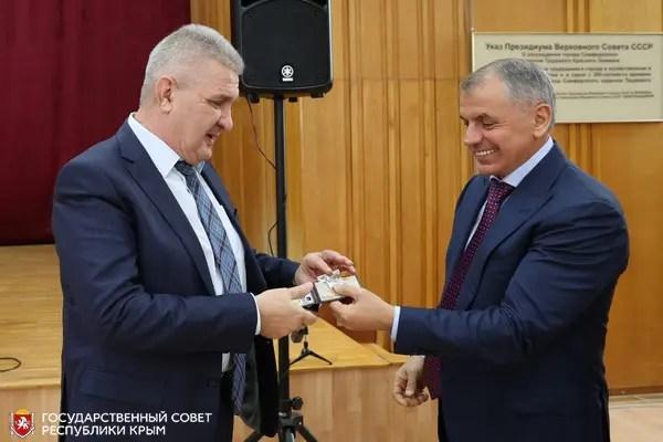 В парламенте Крыма открылся «осенний сезон» заседаний