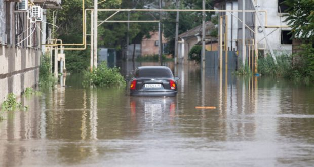 В Керчи продолжают устранять последствия подтоплений