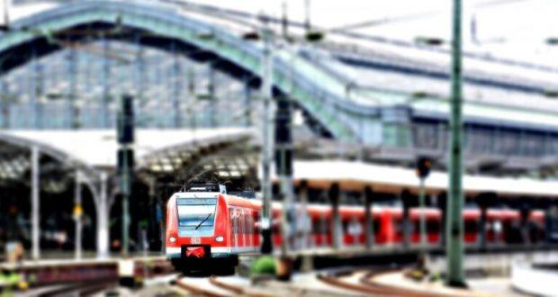 Аналитики Туту.ру выяснили, куда в сентябре ездят на поездах из Москвы и Санкт-Петербурга