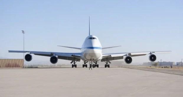 """""""Загадки"""" авиаперелётов: авиаинженер рассказал, почему во время взлёта мигает освещение, а самолёт «жужжит»"""