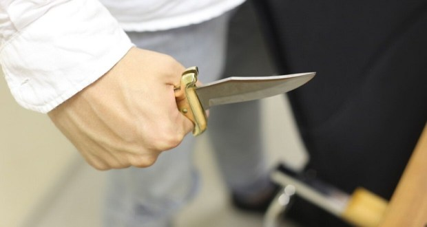 25 ударов ножом – 8 лет колонии. В Крыму осужден 20-летний евпаториец – убил отчима
