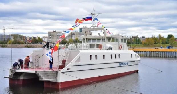 Научно-исследовательское судно СевГУ «Пионер-М» спущено на воду в Санкт-Петербурге