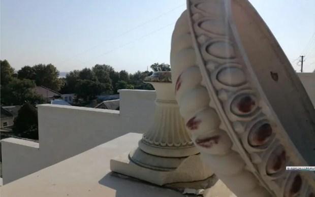 Пойманы вандалы, разбившие каменные вазы на Митридатской лестнице в Керчи