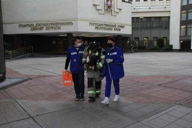 В крымском парламенте тушили условный пожар повышенного ранга сложности