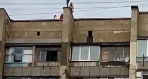 В Евпатории сотрудники полиции предупредили детей об опасности прогулок по крышам