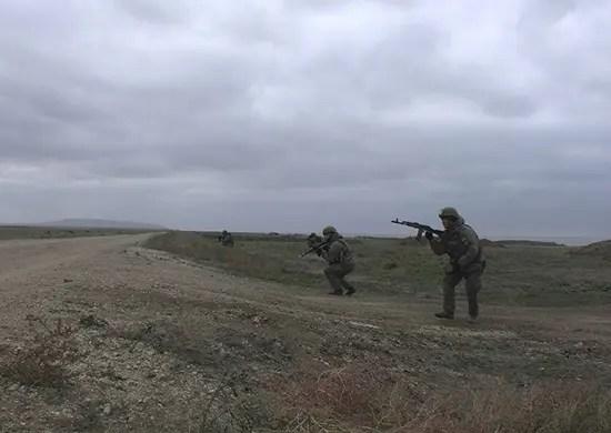 В Крыму морпехи Черноморского флота провели учение по высадке на необорудованное побережье