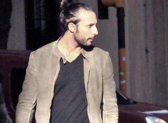 El hombre del rodete está detenido desde el 25 de marzo.